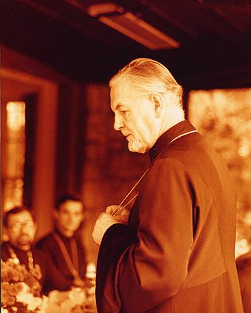 Fr. Alexander falando